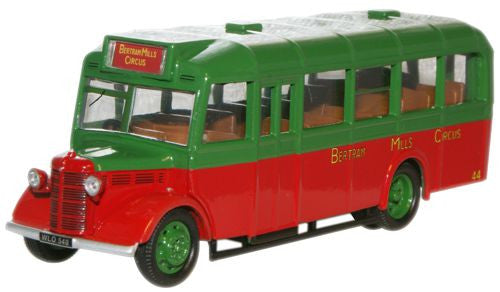 Oxford Diecast Bertram Mills Bedford OWB - 1:76 Scale