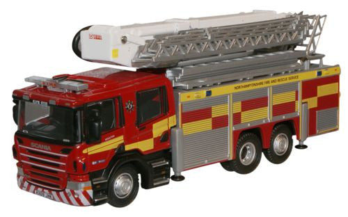 Oxford Diecast Northamptonshire Fire Rescue Scania ARP - 1:76 Scale