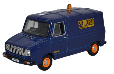 Oxford Diecast Sherpa Van Pickfords
