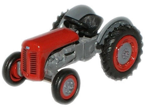 Oxford Diecast Red Ferguson TEA Tractor - 1:76 Scale