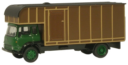 Oxford Diecast Green/Brown Bedford TK Horsebox - 1:76 Scale