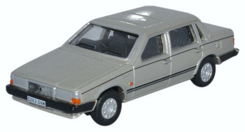 Oxford Diecast Volvo 760 Gold Metallic