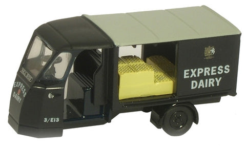 Oxford Diecast Express Dairies (early livery) - 1:76 Scale