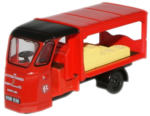 Oxford Diecast Scottish Dairy Farmers Milk Float - 1:76 Scale