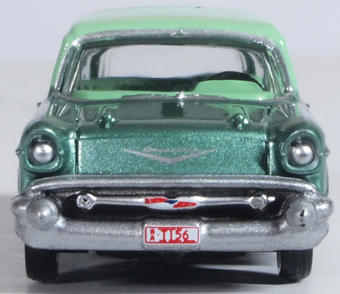 Oxford Diecast Surf Green Highland Green Chevrolet Nomad 1957
