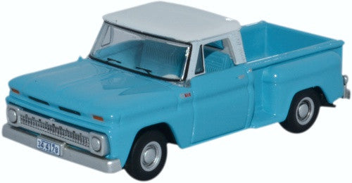 Oxford Diecast Chevrolet Stepside Pick Up 1965 Light Blue/White