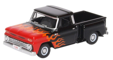 Oxford Diecast Chevrolet Stepside Pick Up 1965 Black/Orange