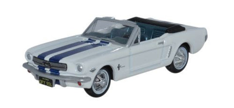 Oxford Diecast 1965 Ford Mustang Convertible Wimbledon White_Guardsman - OxfordDiecast