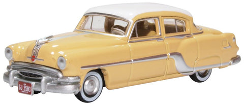 Oxford Diecast Pontiac Chieftain 4 Door 1954 Winter White maize Yellow