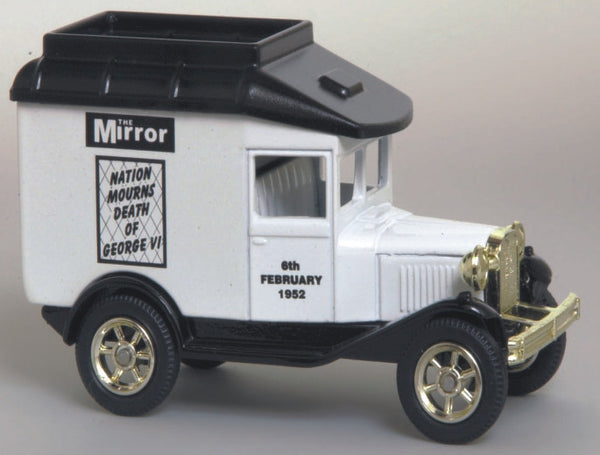 Oxford Diecast The Mirror Jubilee