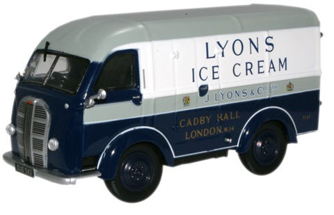 Oxford Diecast Lyons Ice Cream Austin K8 Van - 1:43 Scale