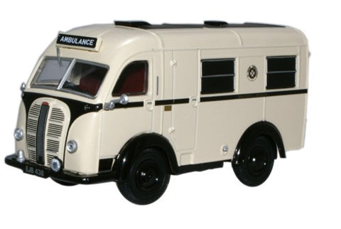 Oxford Diecast Austin Welfarer Ambulance St John - 1:43 Scale