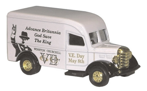 Oxford Diecast Churchill Van