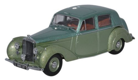 Oxford Diecast Bentley MK VI Balmoral Green_Ice Green - 1:43 Scale