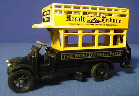 Oxford Diecast Herald Tribune - 1:76 Scale