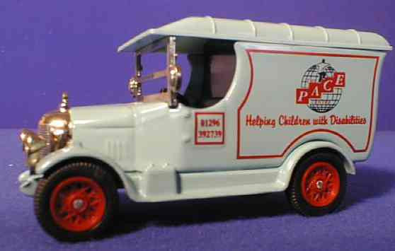 Oxford Diecast Pace (red wheels)