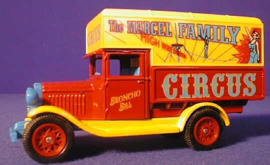 Oxford Diecast Marcel Family