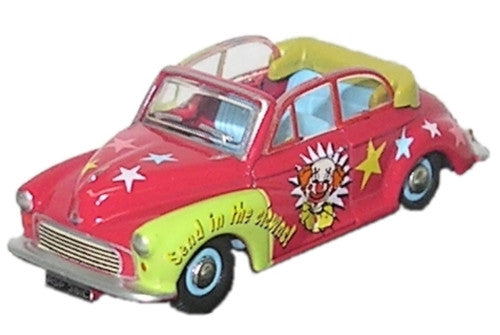Oxford Diecast Chipperfiled Clown Morris Minor - 1:76 Scale