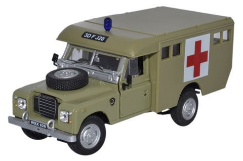 CARARAMA Land Rover Ambulance Army - 1:43 Scale - OxfordDiecast