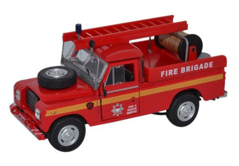 CARARAMA Fire Land Rover Series III - 1:43 Scale - OxfordDiecast