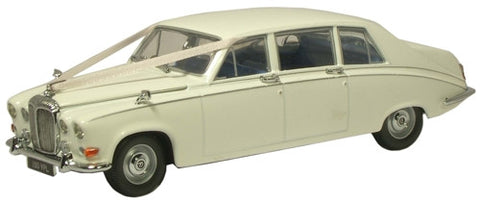 Oxford Diecast Daimler DS420 Wedding Car - 1:43 Scale