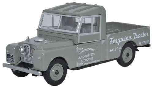 Oxford Diecast Land Rover Series 109 Open Ferguson Tractors - 1:43 Sca