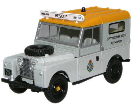Oxford Diecast Land Rover Ambulance Gwynedd Health Authority - 1:43 Sc