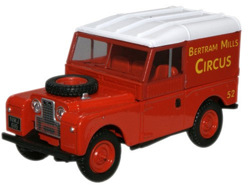 Oxford Diecast Bertram Mills Land Rover 88 inch Hard Top - 1:43 Scale