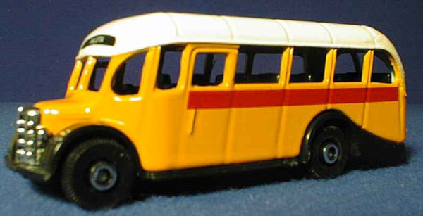 Oxford Diecast Malta Bus Yellow Valletta