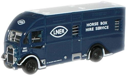 Oxford Diecast LNER Albion Horsebox - 1:148 Scale