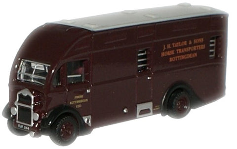 Oxford Diecast J H Taylor & Sons Albion Horsebox - 1:148 Scale
