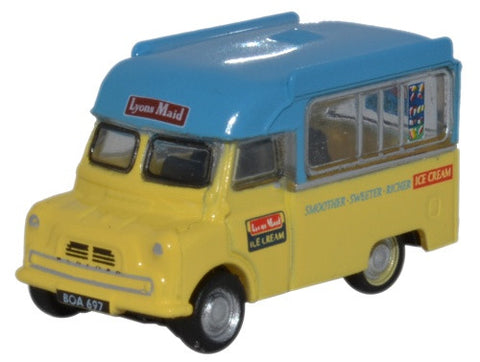 Oxford Diecast Bedford CA Ice Cream Lyons Maid - 1:148 Scale