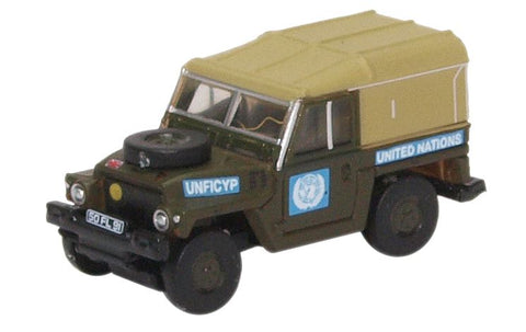 Oxford Diecast Land Rover Lightweight United Nations