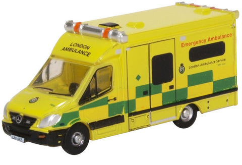 Oxford Diecast Mercedes Ambulance London