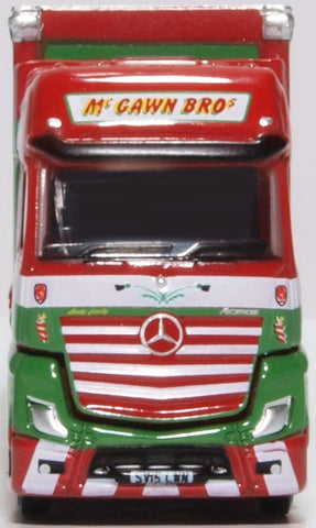 Oxford Diecast Mercedes Actros Curtainside Mcgawn Bros