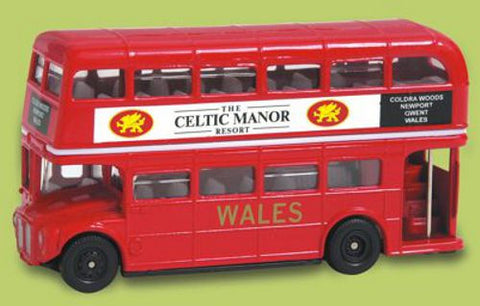 Oxford Diecast Celtic Manor Hotel - 1:76 Scale
