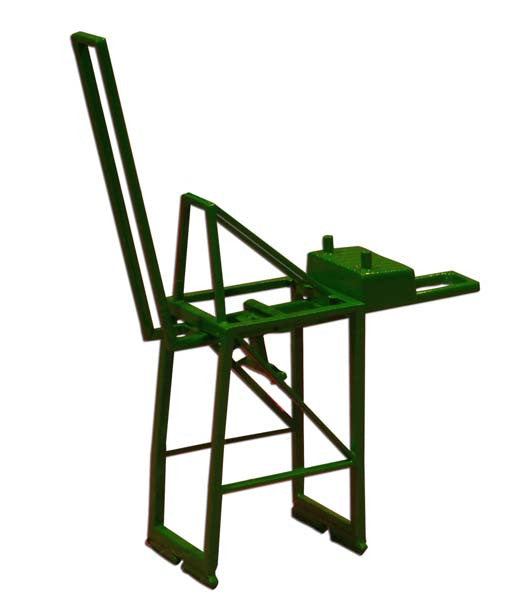 TRIANG Post Panamax Container Crane - Jib Up Green - 1:1200 Scale