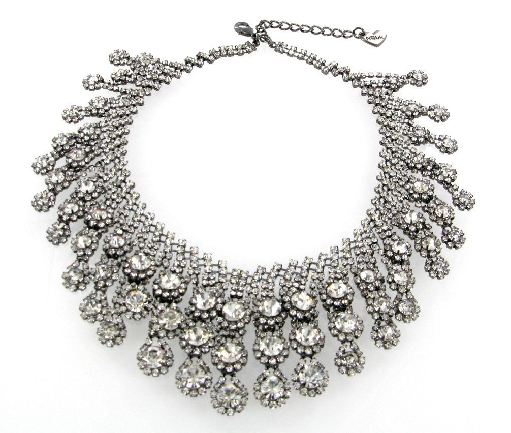 CLEAR CRYSTALS SILVER NECKLACE