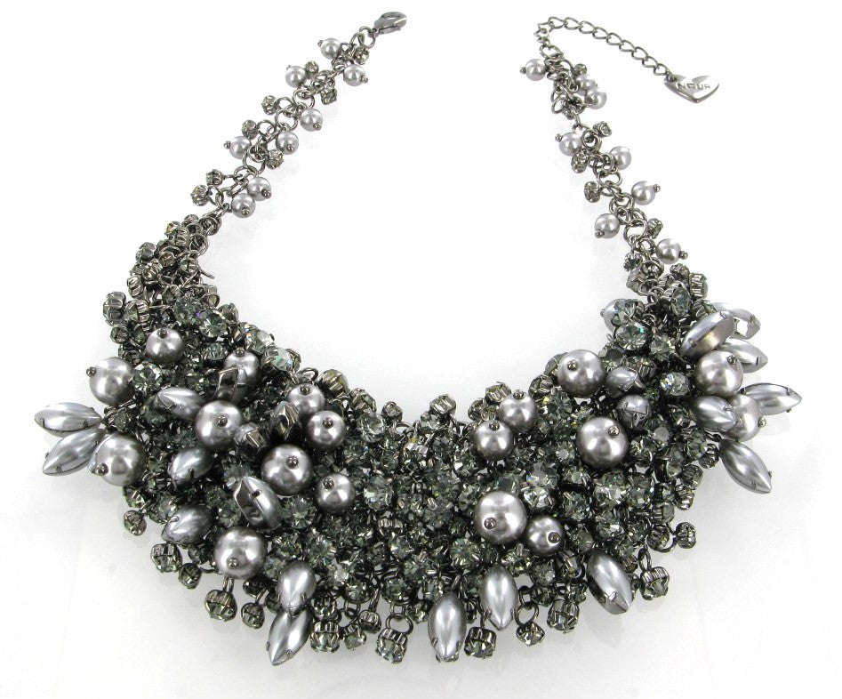 Clear crystals & pearls necklace