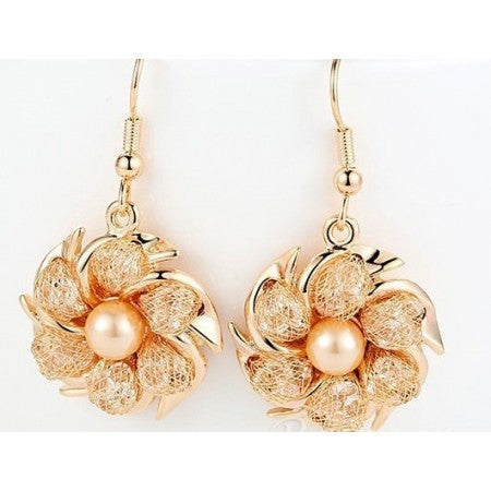 PEARL AND CRYSTALS EARRINGS