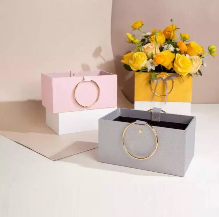 Load image into Gallery viewer, Flower cardboard box / علبه للورد