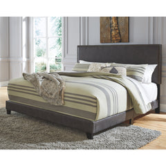 Vintasso Queen Upholestered  Nail Head Trim Bed (Gray)