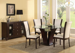 Daisy Round Table and 4 White chairs
