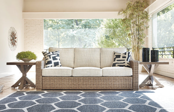 Beachcroft Sofa w/ Cushion