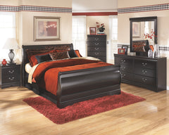 Huey Vineyard Queen Sleigh Bed w/ Dresser & Mirror