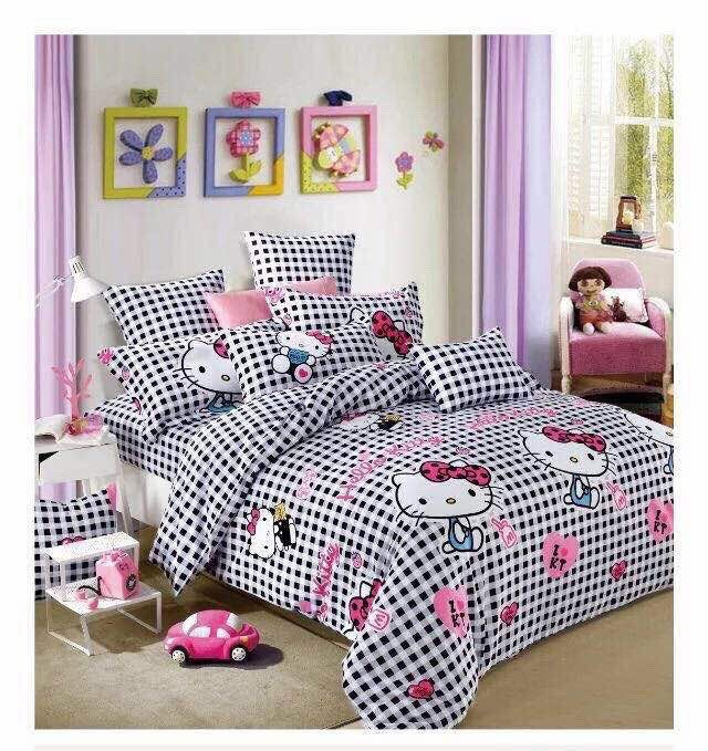 Hello Kitty Checkered