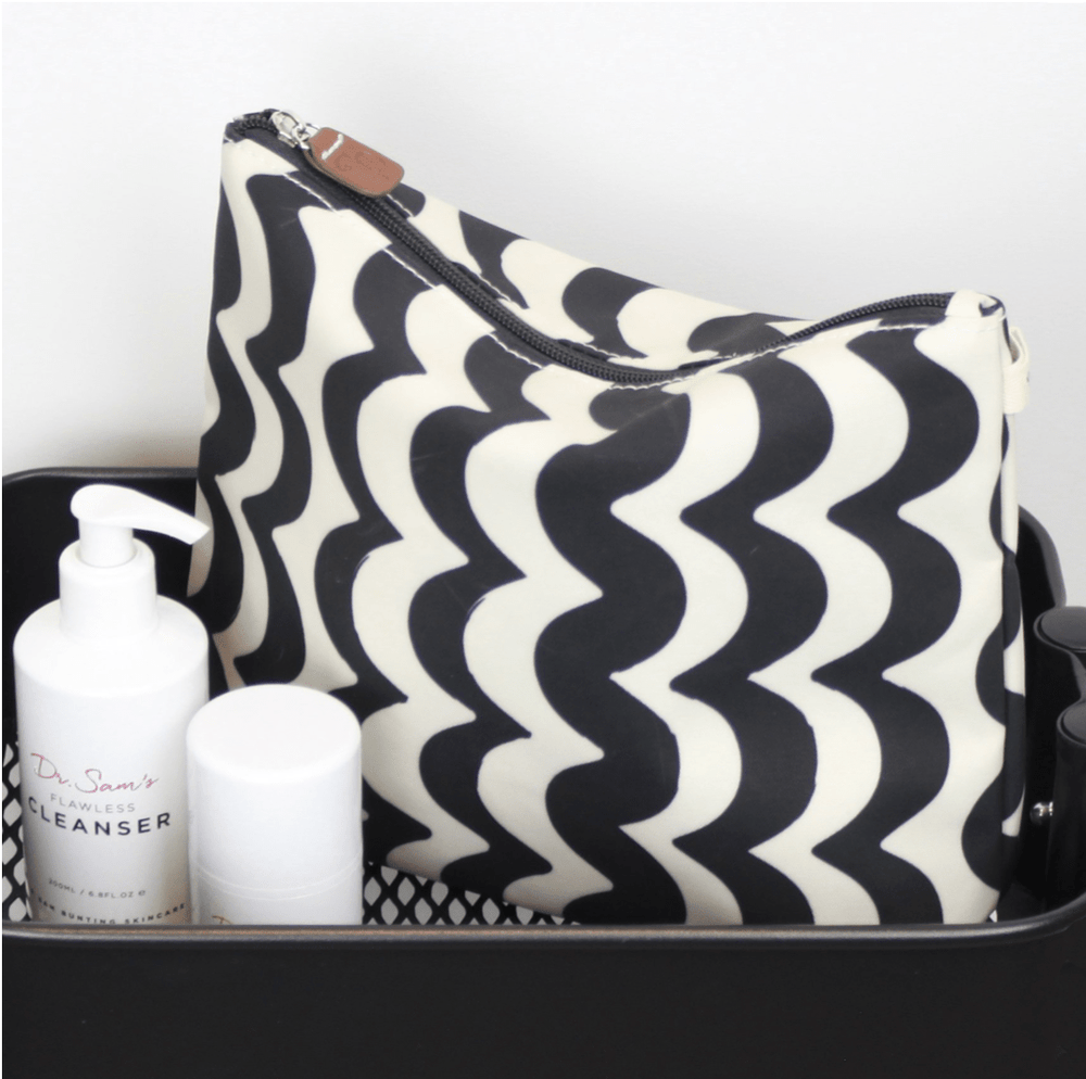 brownstone Accessories Tall wash Bag in Wave Design
