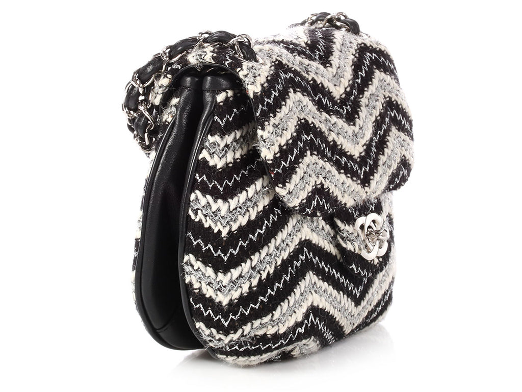 cdd19f55b942 ... Chanel Black and White Tweed Handbag ...