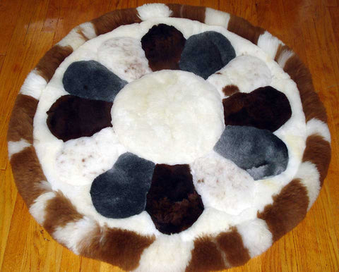 100% Alpaca Rug: Round Cross Pattern Design