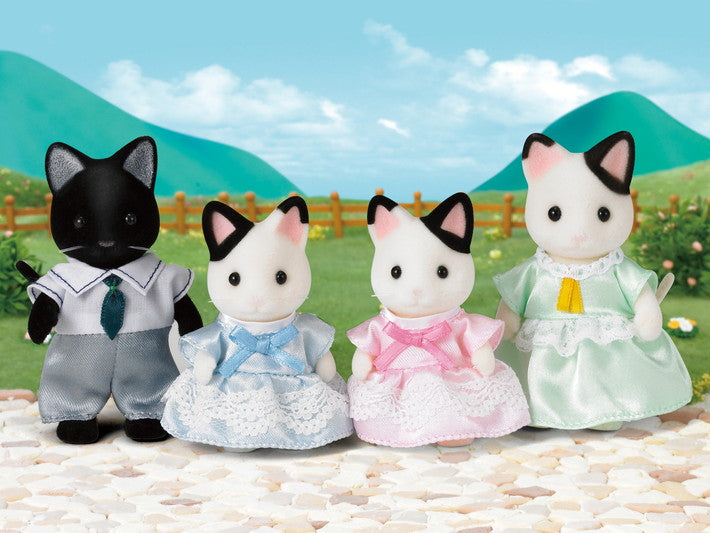 Calico Critters Tuxedo Cat Family - Through the Moongate and Over the Moon Toys
